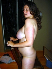 Busty pregnant wife shows her milky..