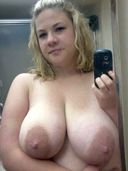 Hot gf take pics of her huge natural..