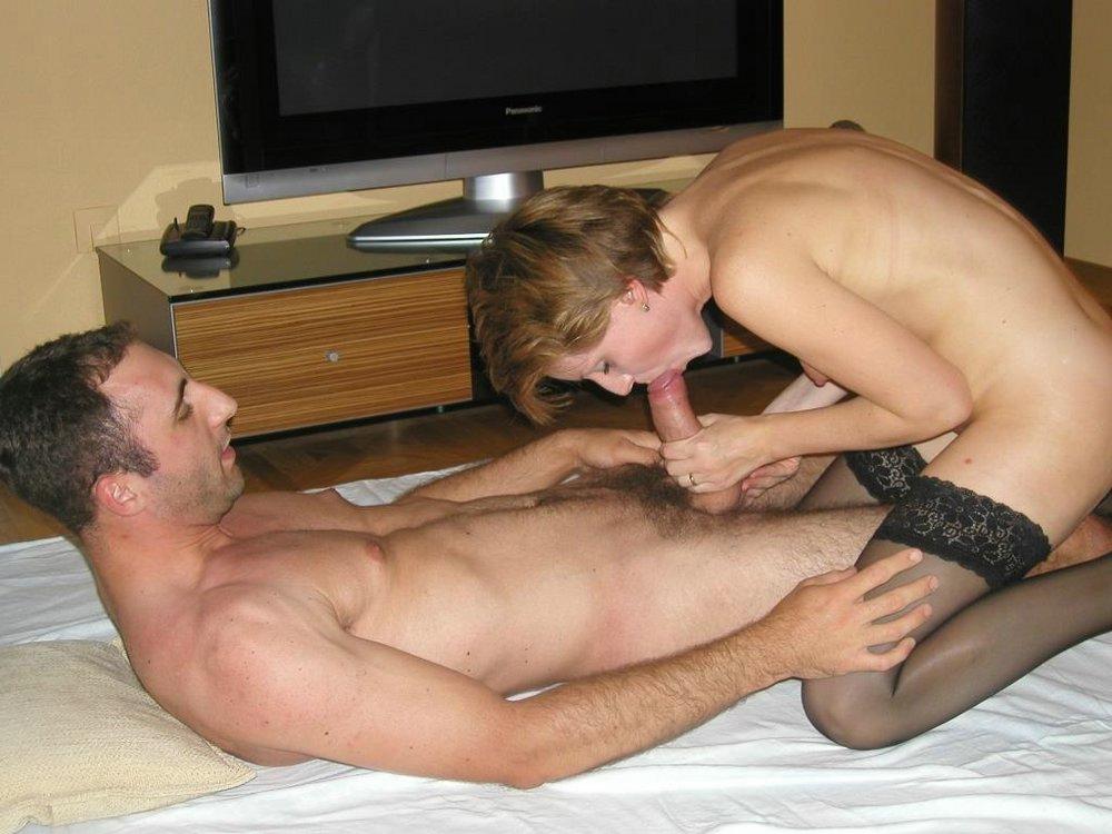 wife in naked bath tub