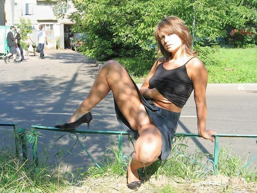Naughty ordinary but hot.. Unknown ladies caught.. Cute ypung GF ...: www.girlnude.link/xxx-pictures/horny-wives-without-panties-outdoor
