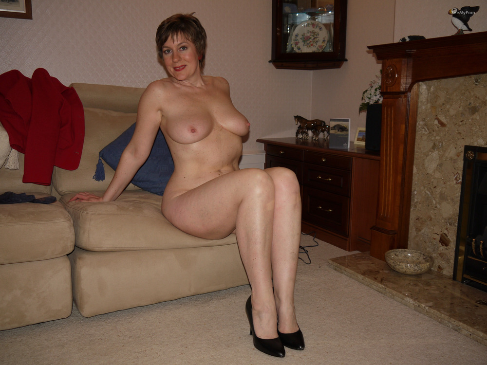 My ex wife posing nude look for
