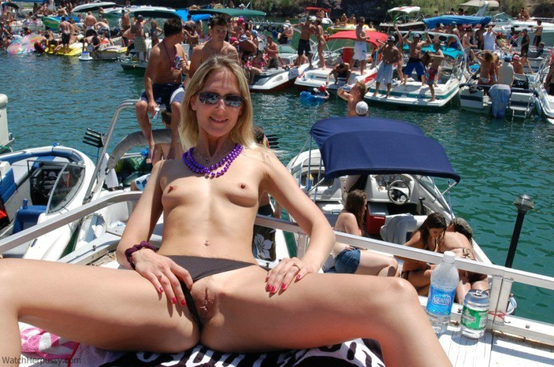 Apologise, Nude girls on boats lake havasu possible