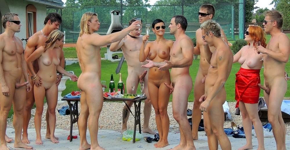Pics of nudist beach hardons