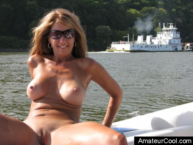 Naked amateur mature wives