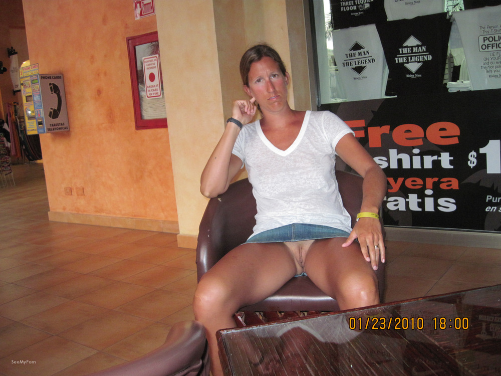Wife flashing naked in public