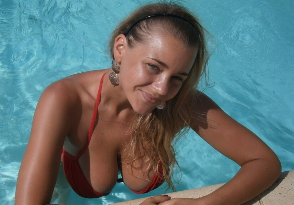 Delightful middle aged woman in an interracial threesome 8