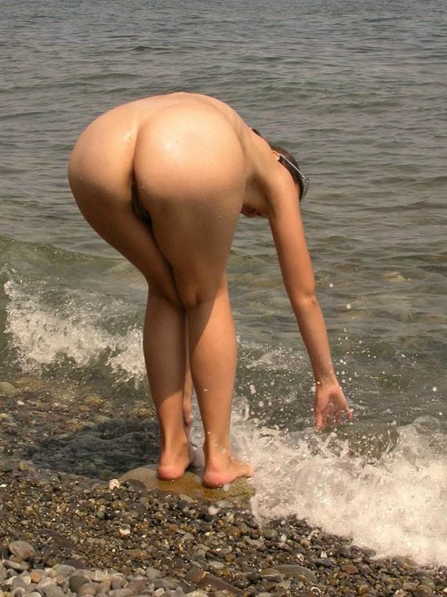 description super sexy girls showing their amazing round asses naked