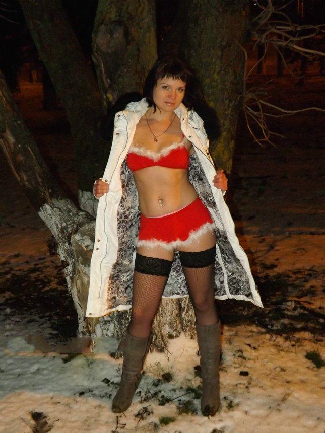 Desperate Russian Wife Walking Nude In Winter Showing Her