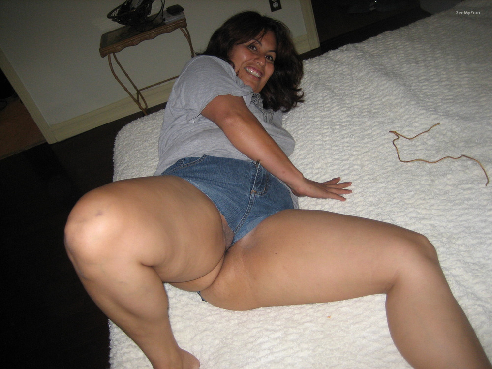 short chubby nude wife