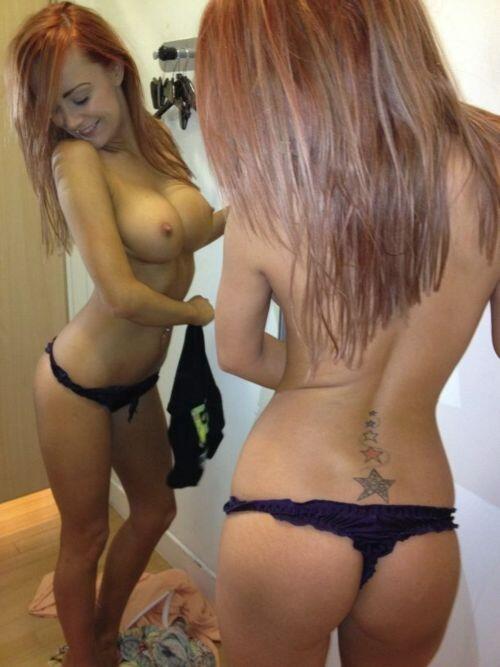 Under skirt photos,.. Pussy photos from cell.. Hot Italian babe posing ...