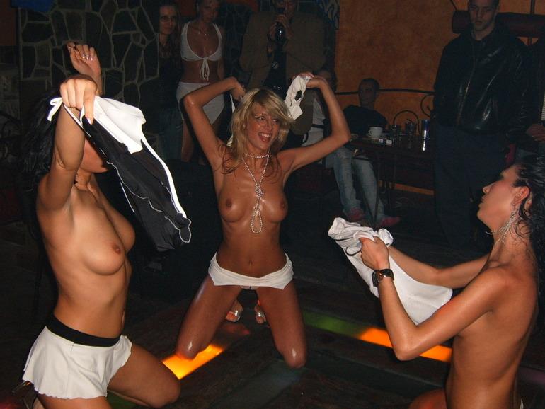 Big boobed bikini girls galleries