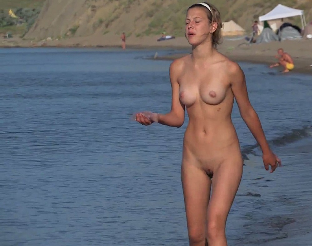 cute nudist