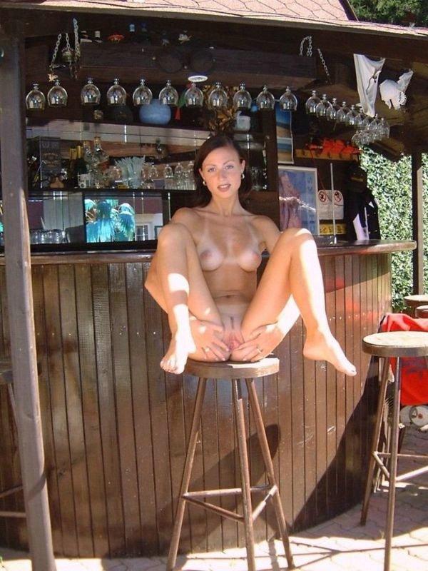 girls sunbathing nude spreading legs
