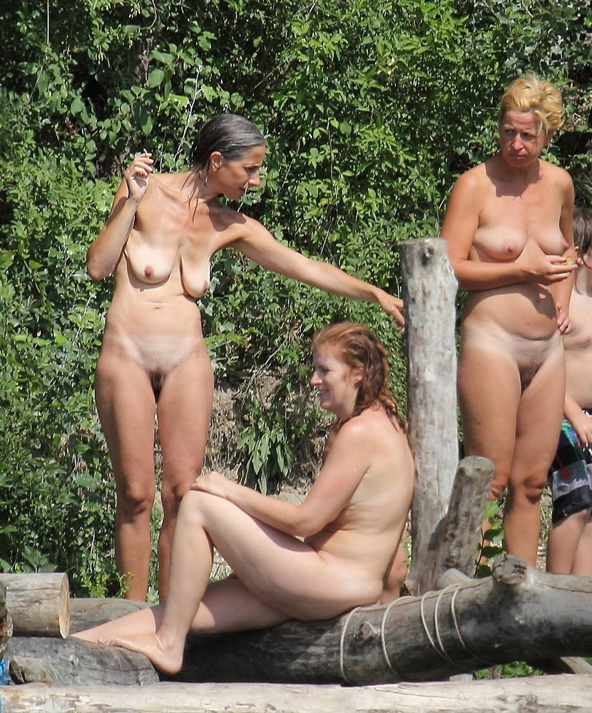 image European girls sucking in public
