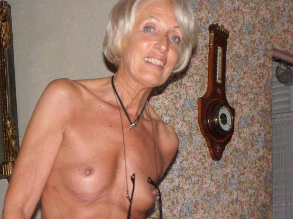 Sexy slim topless amateur