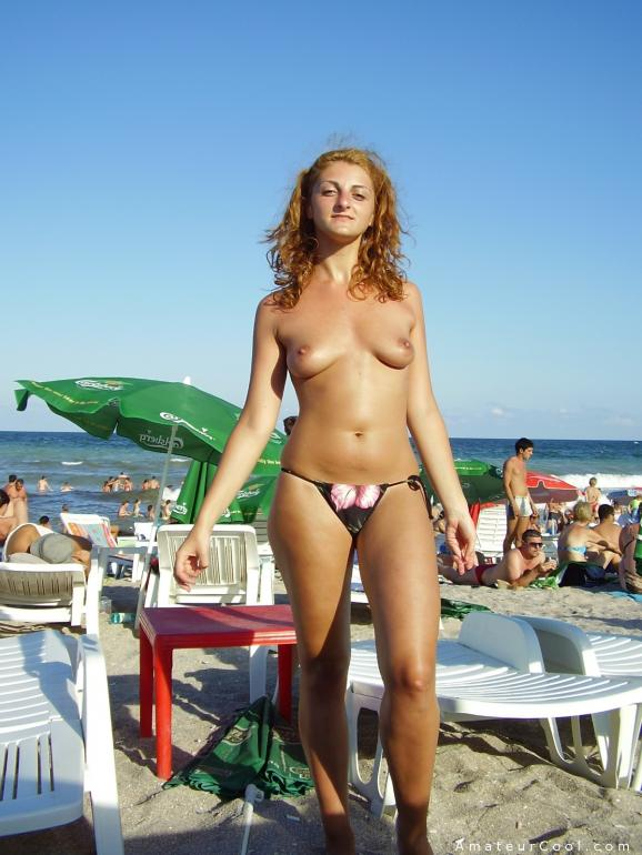 Pretty Gf On Vacation Topless At The