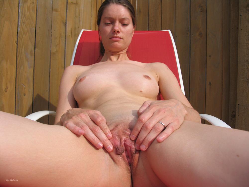 nude amateure house wife