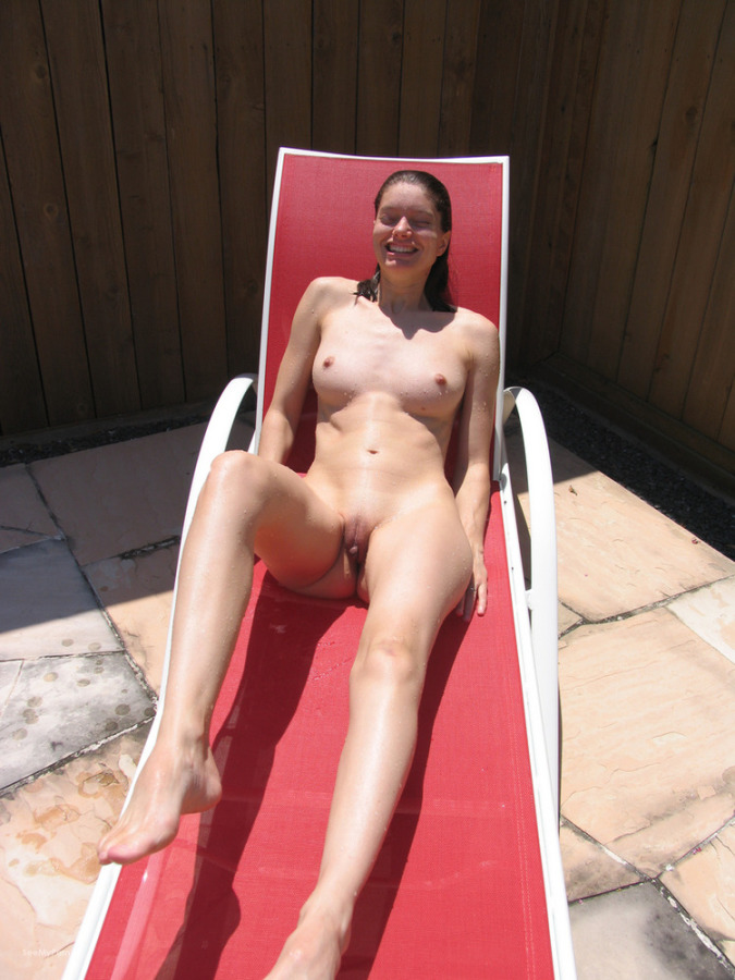 my girlfriend nude outdoors