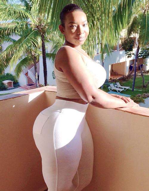 Xxx big round ass