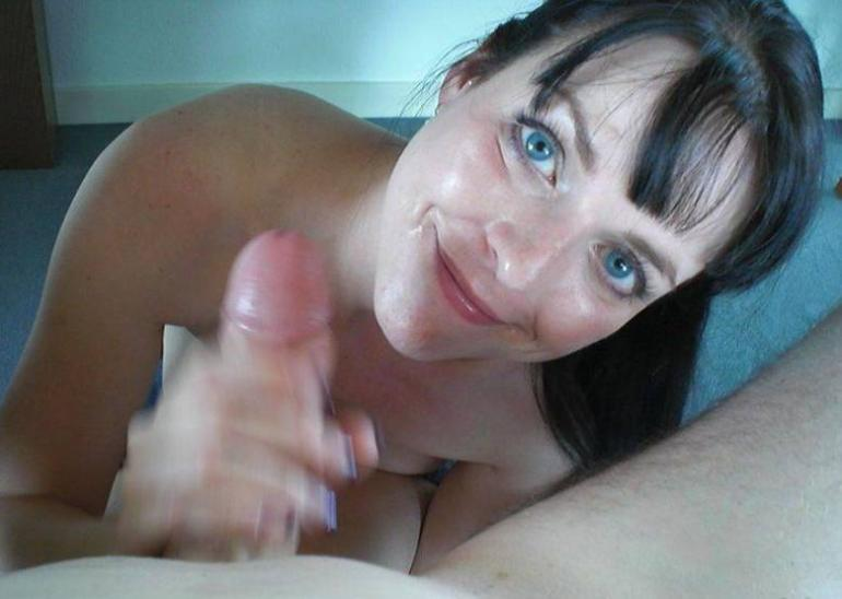 shaved wife shows herself and sucks cock