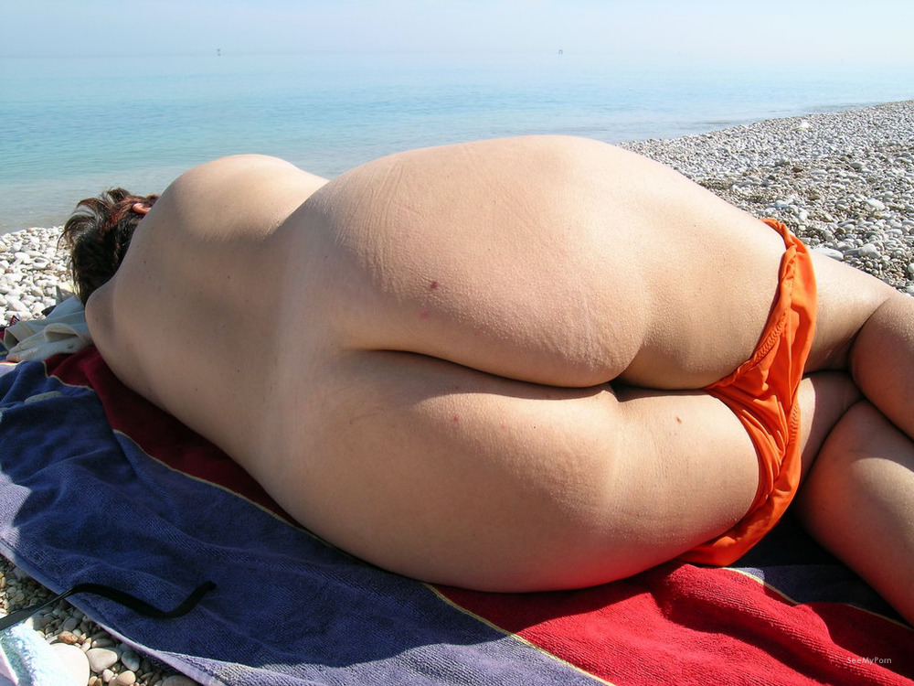 Warm Mature Wife At Nude Beach Gif
