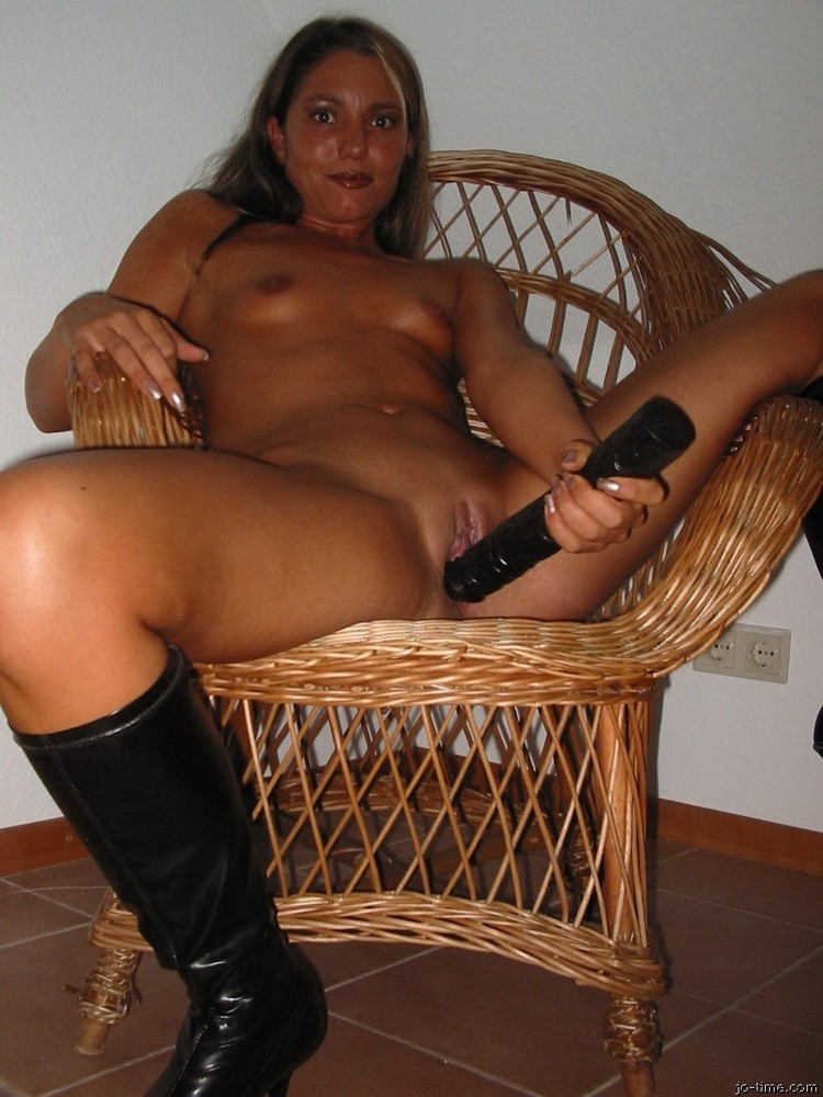 Lean And Drunk German Wife Porn Pics-6943