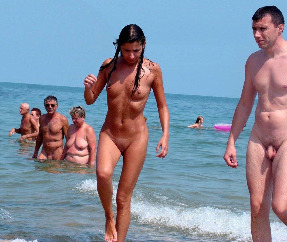 aged nudist couples