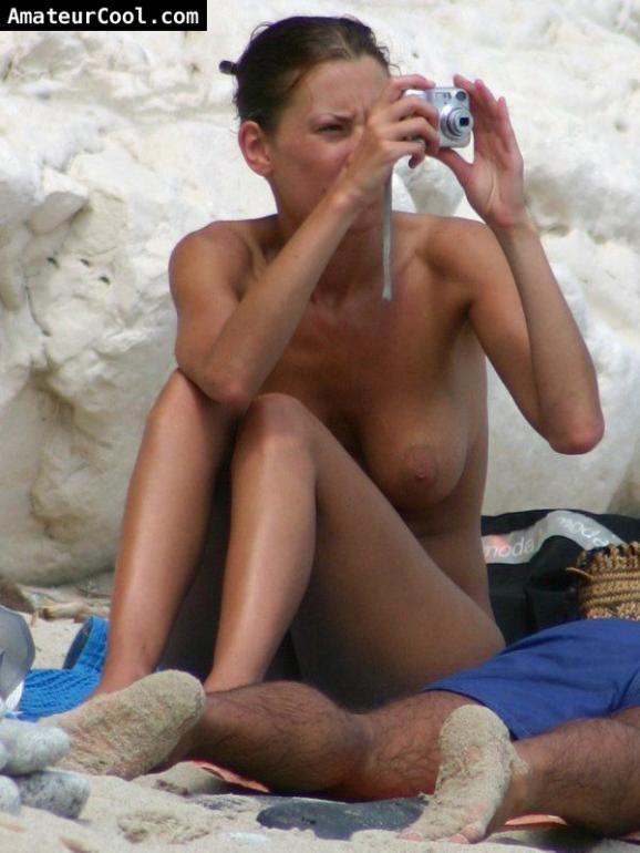 Spy Pics Of Busty Gf Topless At The Beach-7378